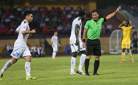 Hà Nội FC 0-0 SLNA Quế Ngọc Hải chạm tay trong vòng cấm phút 16