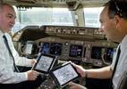Phi công United Airlines bất mãn vụ BS David Dao bị kéo lê