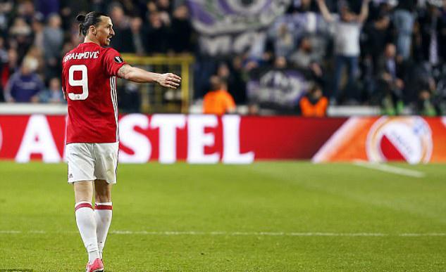 Conte: 'Khóa chặt Ibrahimovic, MU hết vị'
