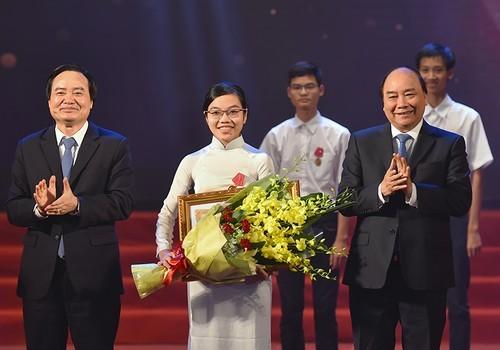gương mặt trẻ VN tiêu biểu, du học Mỹ, học bổng Mỹ, Đinh Thị Hương Thảo, Olympic Vật lý