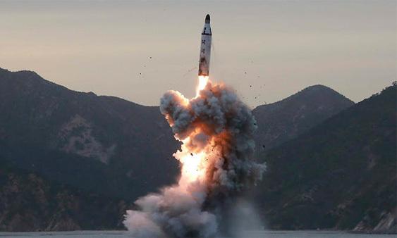 Triều Tiên, Tình hình trên Bán đảo Triều Tiên, Triều Tiên thử tên lửa,