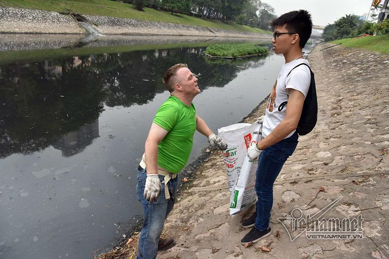 James Joseph Kendall, ông Tây nhặt rác, sông Tô Lịch