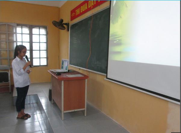 Cô giáo đưa lớp học xuyên lục địa về trường làng