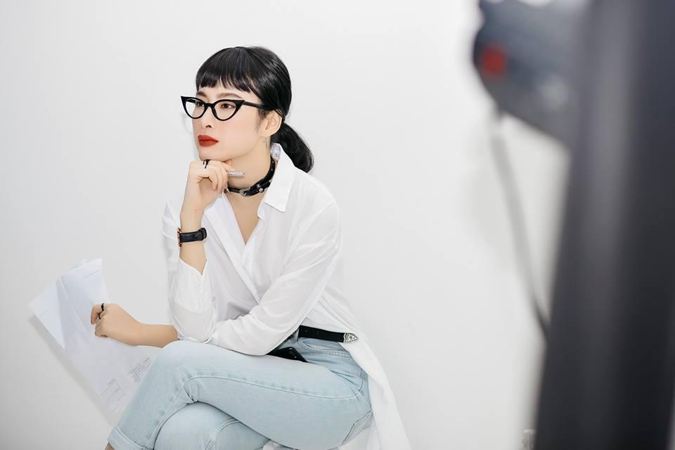 Ngỡ ngàng với hình ảnh mới của Ngọc Trinh, Angela Phương Trinh