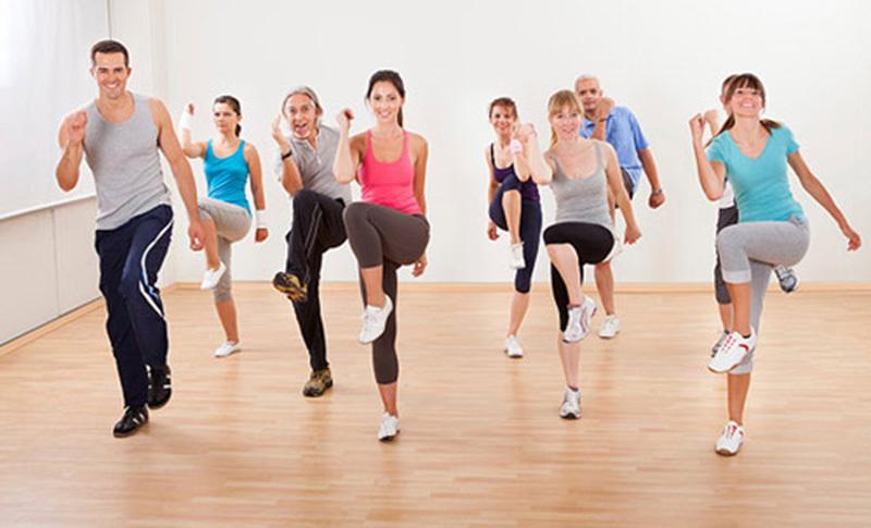 Tập thể dục giúp làm nóng người trước khi tắm