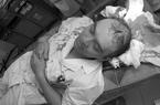HN: Bác sĩ bị đánh bất tỉnh, theo dõi chấn thương sọ não