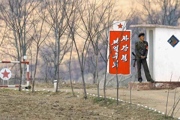 Cuộc sống bên tuyến đường huyết mạch nối Triều Tiên với thế giới
