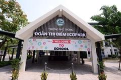 Phụ huynh bức xúc vì trường bắt đóng phí giữ chỗ 5 triệu đồng
