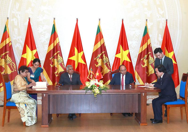 Thủ tướng Nguyễn Xuân Phúc, Thủ tướng Sri Lanka