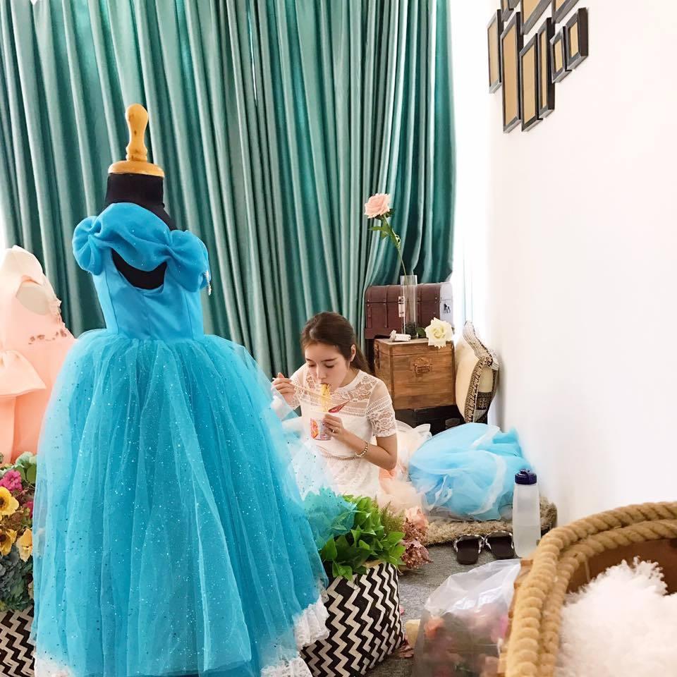 Hot girl Việt đồng loạt khoe hình vi vu nước ngoài - ảnh 9