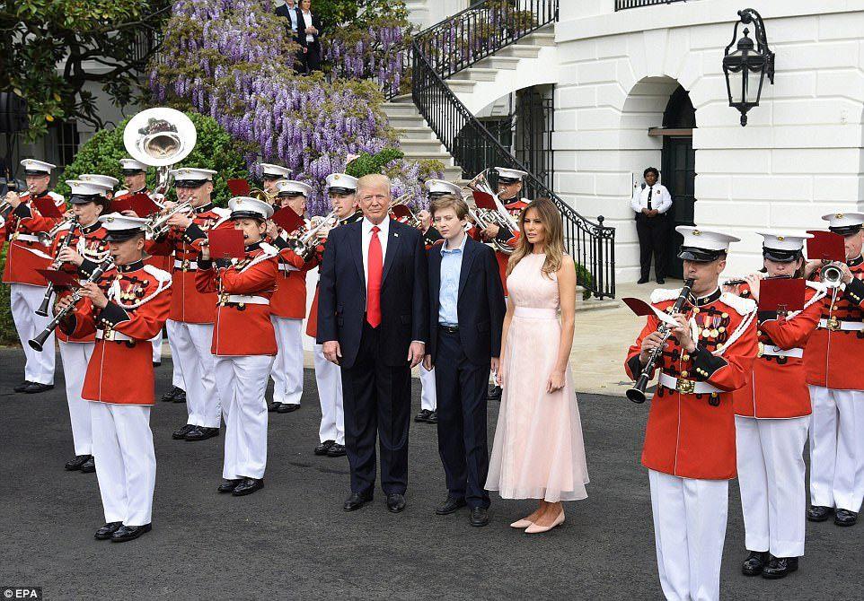 Đệ nhất phu nhân Mỹ, Donald Trump, quốc ca