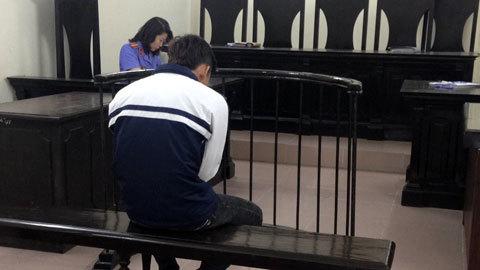 Học sinh lớp 10 liên tiếp giật vòng bạc của trẻ tiểu học