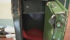 Hà Nội: UBND xã bị phá két, mất trộm 700 triệu đồng