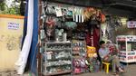Dãy phố mỗi cửa hàng rộng 1m2 tồn tại 40 năm giữa Hà Nội