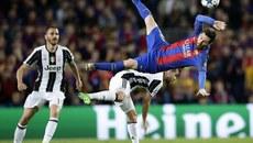 """Xem cách """"Bà đầm già"""" vô hiệu hóa Messi và đồng đội"""