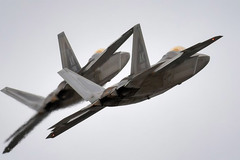 Bị Mỹ chặn, chiến cơ Nga vẫn 'quần thảo' gần Alaska