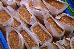 8 tấn cua xay bốc mùi thối trên đường vào chợ Hà Nội