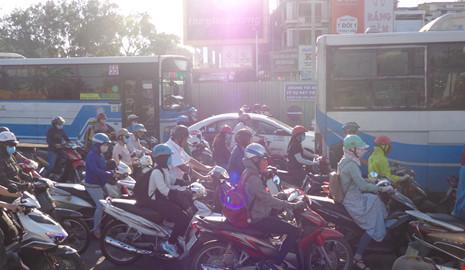 xe máy, cấm xe, xe ô tô, tắc đường