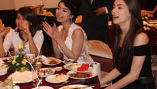 Hình ảnh 'thắm tình chị em' của Hà Hồ, Minh Hằng trước scandal