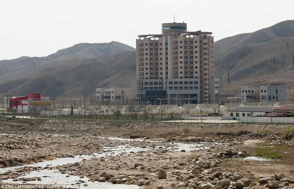 Bên trong thị trấn 'ma' ở Triều Tiên