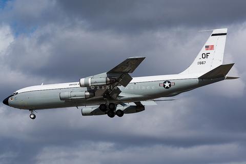 Mỹ điều máy bay đánh hơi hạt nhân tới bán đảo Triều Tiên