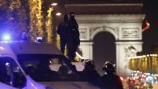 Phiến quân IS nổ súng bắn cảnh sát ngay giữa Paris