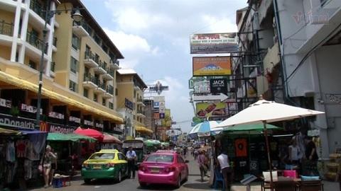 Bangkok 'hy sinh' thiên đường ẩm thực, giành lại vỉa hè