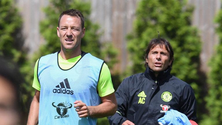 Chelsea vs Tottenham: Conte bất ngờ 'phũ' với Terry