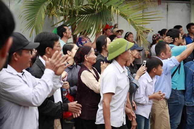 Người dân Đồng Tâm trao thả hết 19 cán bộ, chiến sỹ