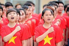 Học sinh 3 miền đều hát sai Quốc ca