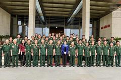 Chủ tịch Quốc hội gặp mặt cựu chiến binh Thành cổ Quảng Trị