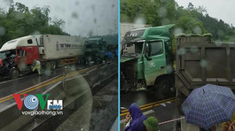 Va chạm xe ben và container, cao tốc Hà Nội - Lào Cai tê liệt