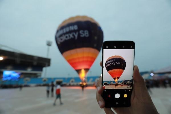 """Galaxy S8/S8+ mang """"đại tiệc công nghệ"""" đến Mỹ Đình"""