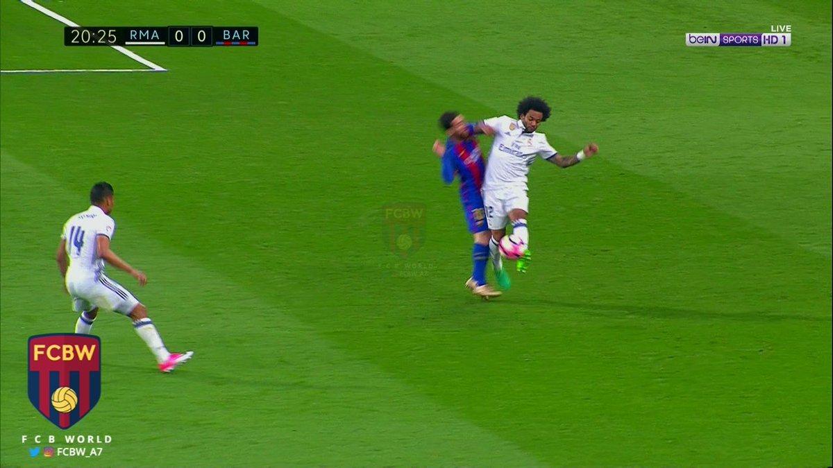Quay chậm cảnh Messi bị đánh chảy máu ở Siêu kinh điển