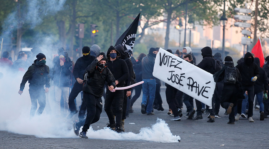 Bầu cử tổng thống Pháp: Ứng viên cực hữu vào vòng 2, biểu tình bùng phát