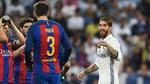 """Pique chọc giận Ramos: """"Về nhà mà ôm mặt hối lỗi"""""""