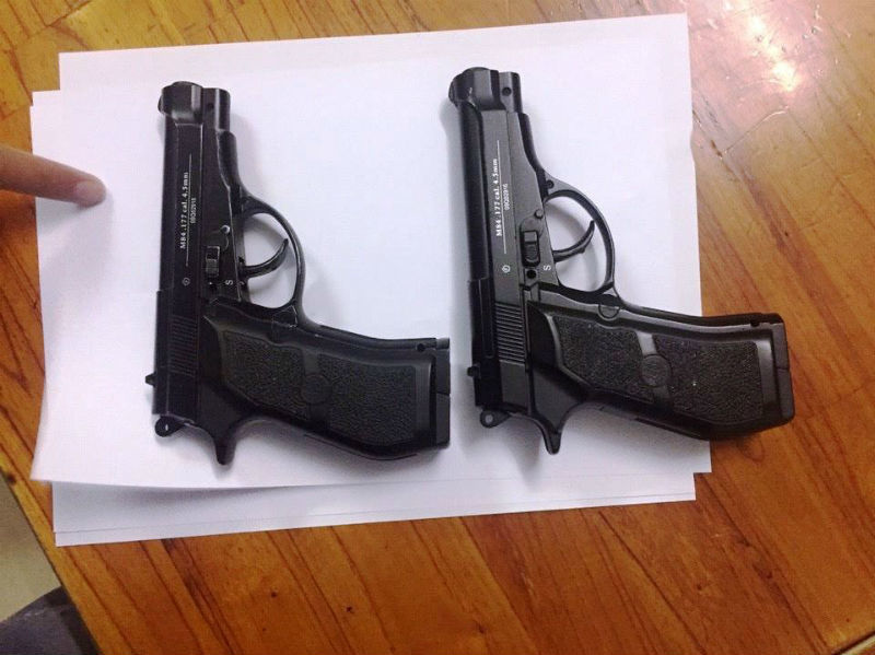 Bắt trùm ma túy mang 2 khẩu súng ngắn phòng thân