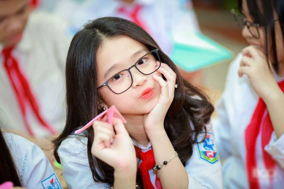 Nữ chính MV yêu đương lớp 9: 'Em cảm thấy kiệt sức'