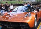 Minh Nhựa điều khiển siêu xe Huayra 80 tỷ lên xe chuyên dụng
