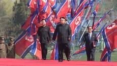 Kim Jong Un làm gì giữa lúc thế giới lo sợ chiến tranh?