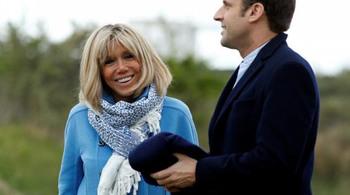 'Tình yêu sét đánh' của ứng viên tổng thống Pháp và vợ
