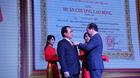 Bidrico nhận Huân chương Lao động hạng Ba