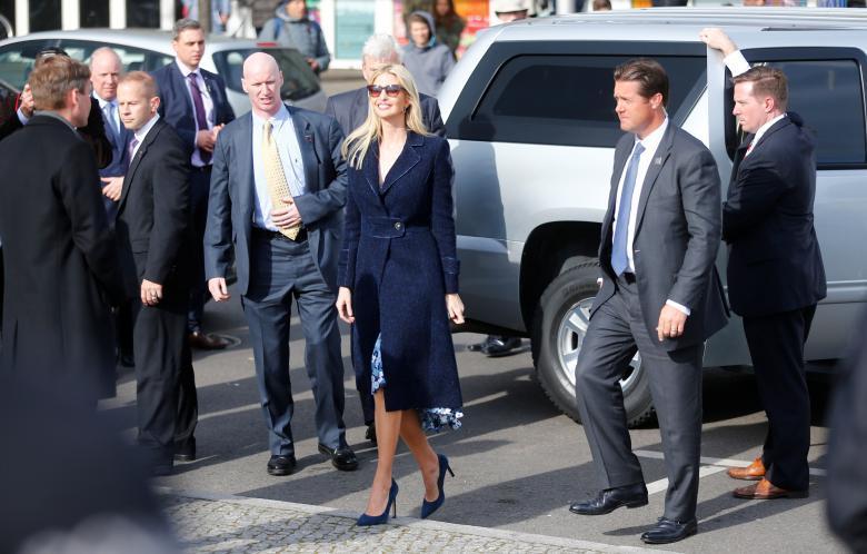 Ivanka Trump đẹp rạng ngời trong chuyến công du đầu tiên