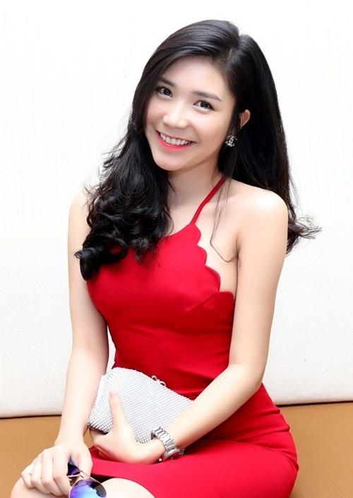 Cảnh nóng với Việt Anh 'Người phán xử' làm khó bạn gái Quang Lê