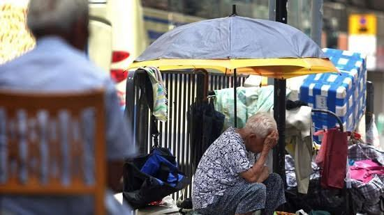 Cuộc sống khó tin của người dân quận nghèo nhất Hồng Kông