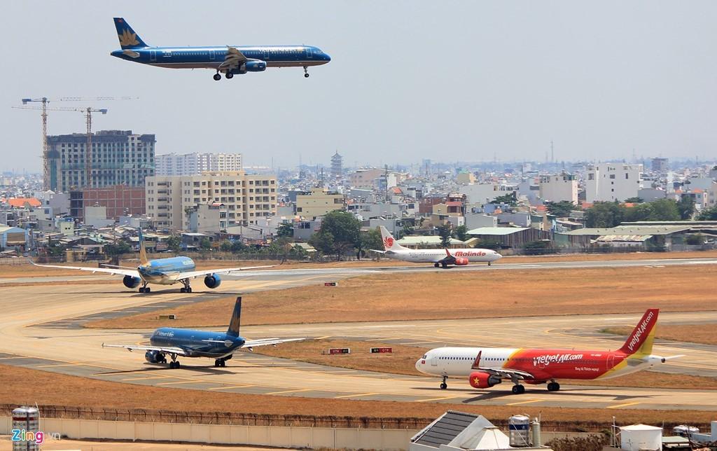 Tân Sơn Nhất, Quản lý bay, Kiểm soát không lưu, vùng thông báo bay