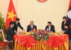 Thủ tướng hội đàm với Thủ tướng Lào
