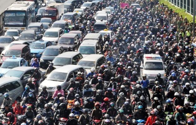 cấm xe máy, hạn chế phương tiện cá nhân, xe bus nhanh, xe BRT, ùn tắc giao thông