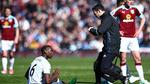 Pogba lỡ hẹn derby Manchester, Mourinho vẫn lên gân