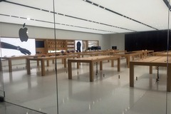 Cửa hàng Apple Store bị cướp hai lần trong 6 tháng